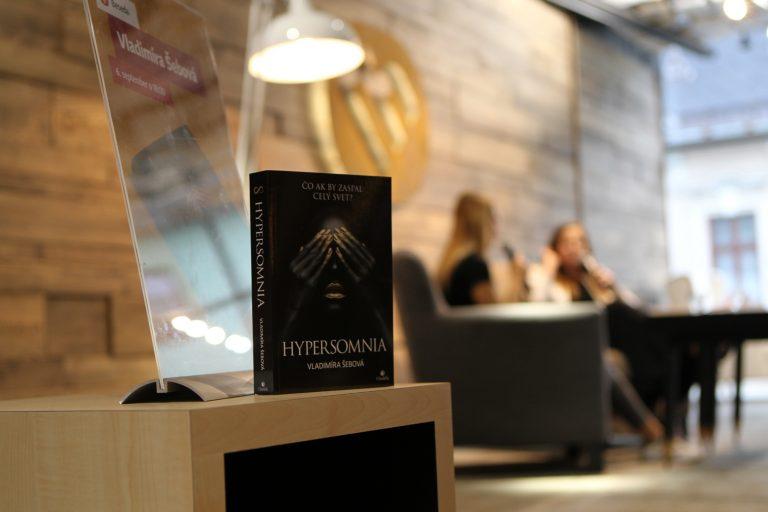 Aká bola prvá beseda ku knihe Hypersomnia?
