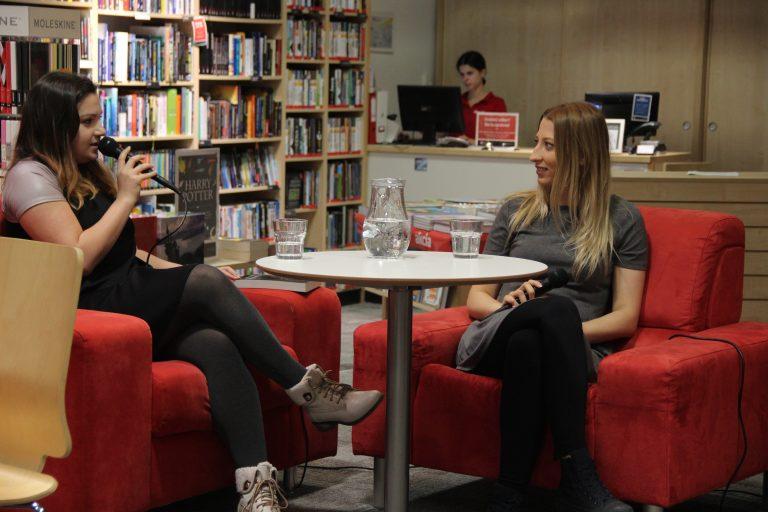 Čo čítajú autori a známe osobnosti? (video)