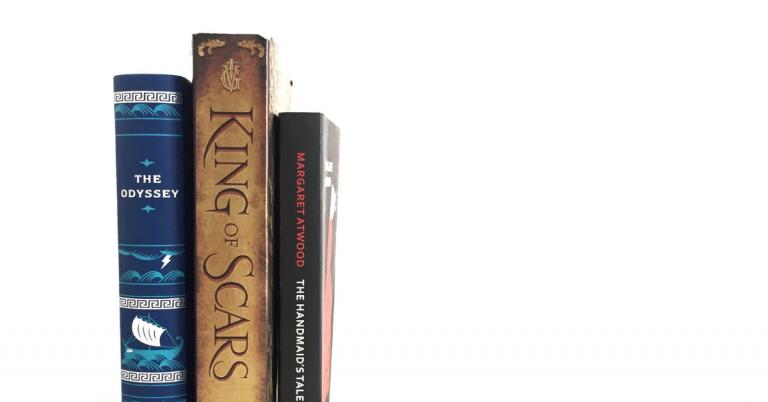 Čo práve čítam: Ako si Neil Gaiman našiel cestu k môjmu srdiečku, o kráľovnej fantasy Bardugo a ďalšie knižné tipy roku 2019
