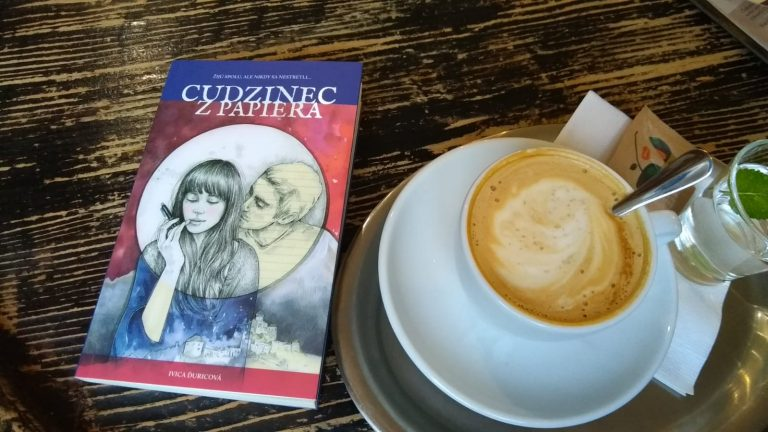 Interview s Ivicou Ďuricovou o jej novinke Cudzinec z papiera